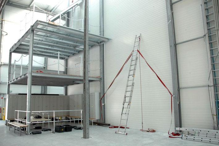 hala szkoleniowa w centrali assecuro w łazach koło warszawy