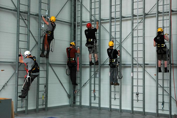 szkolenia w dostępie budowlanym, hala szkoleniowa w centrali assecuro